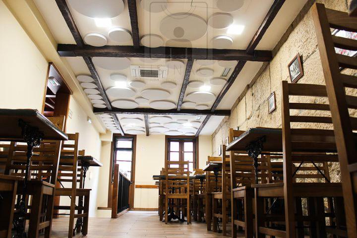 sinruidos-absorcionacustica-isinac-acousticpanels-confortacustico-coworking-absotec-restaurante-reverberacion-insonorizacion-3