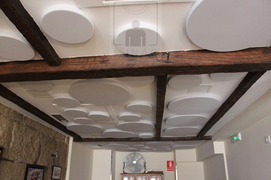 sinruidos-absorcionacustica-isinac-acousticpanels-confortacustico-coworking-absotec-restaurante-reverberacion-insonorizacion-6